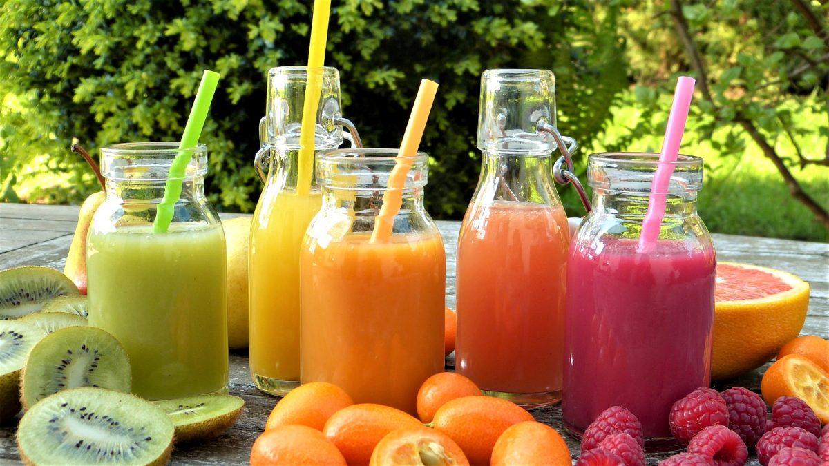 Soki owocowe – czy warto włączyć je do codziennej diety