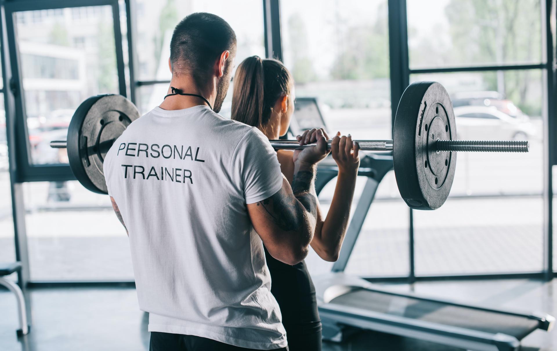 jak zostać trenerem personalnym online